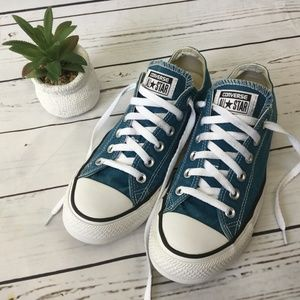 Converse All Star Sneakers, Size Men's 7 Wo's 9